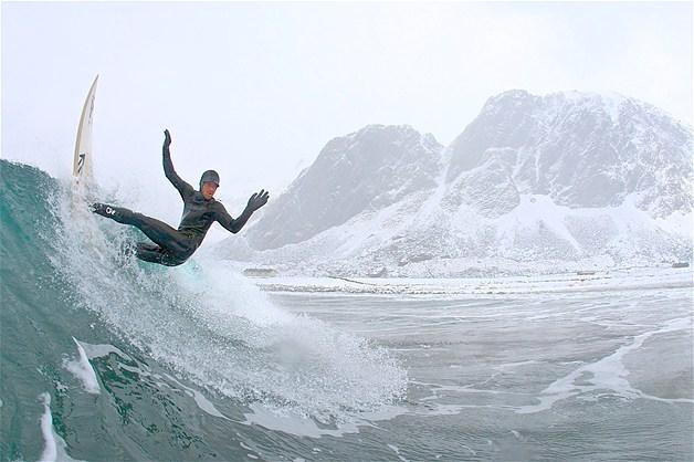 ARTIC SURFER